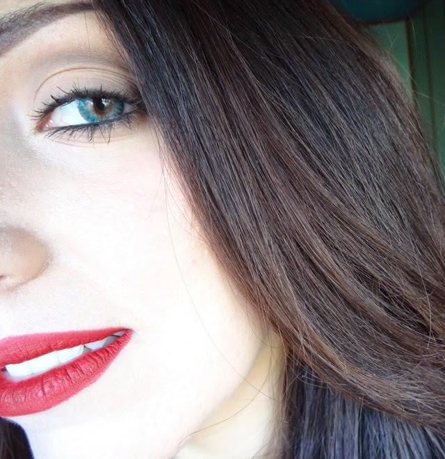 nars velvet matt lip pencil cruella swatches, prodotti preferiti make up, beauty blogger, rossetto rosso