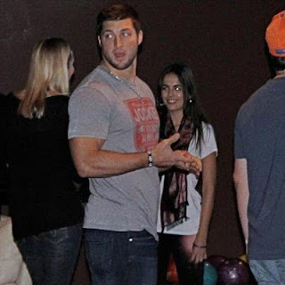 Tim Tebow, Camilla Bell