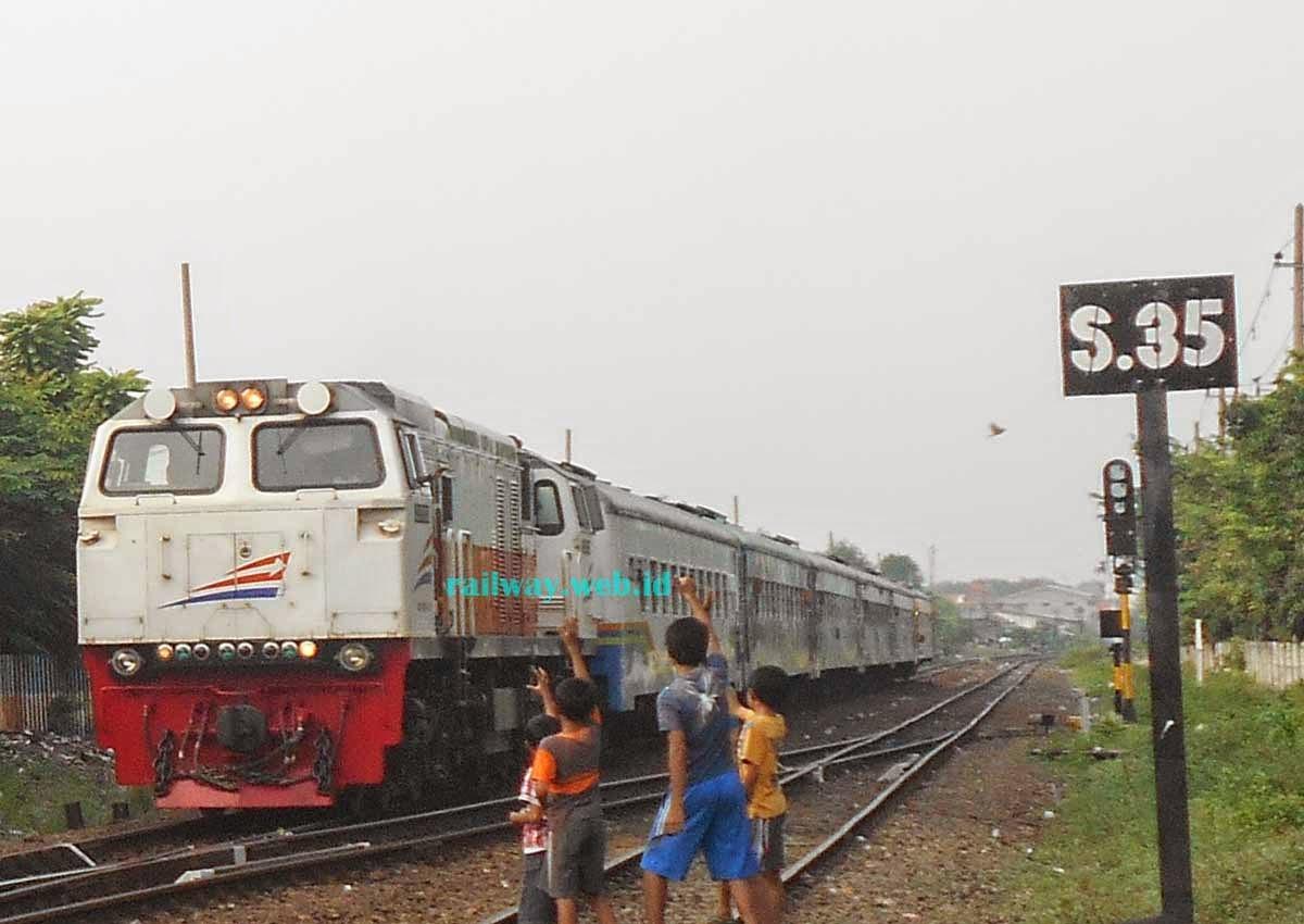 lokomotif CC20623 Merah