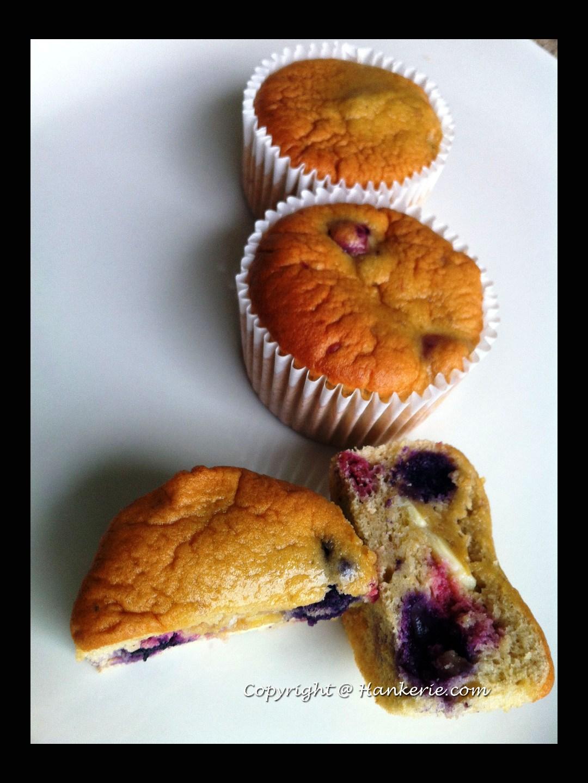 Gluten-free Blueberries & White Chocolate Muffins ~ Hankerie