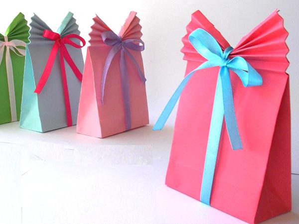 Innova manualidades bolsas de papel para regalo - Bolsa de papel para regalo ...