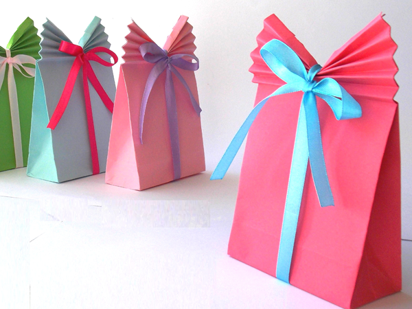 manualidades-bolsas-papel-regalo