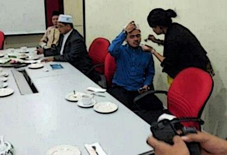 Heboh bila ulama UMNO disolek... (Update!)