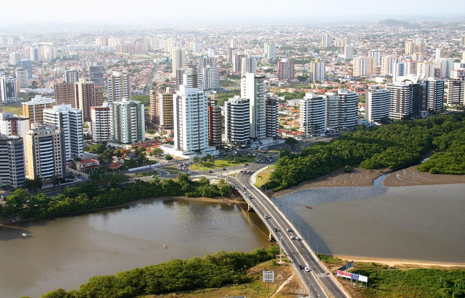 VISTA AÉREA DO BAIRRO 13 DE JULHO EM ARACAJU