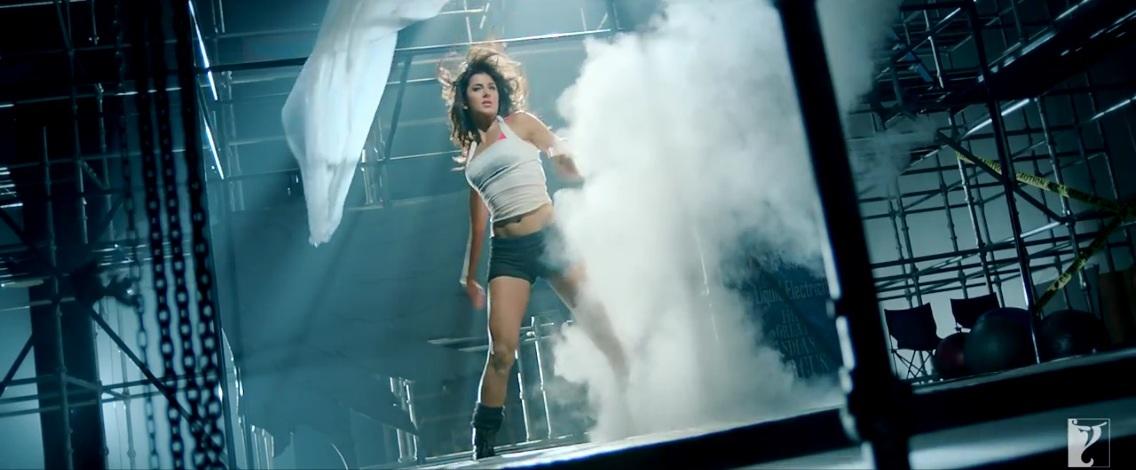 Sexy Katrina Kaif Bikini Body in Dhoom 3  Metacafe