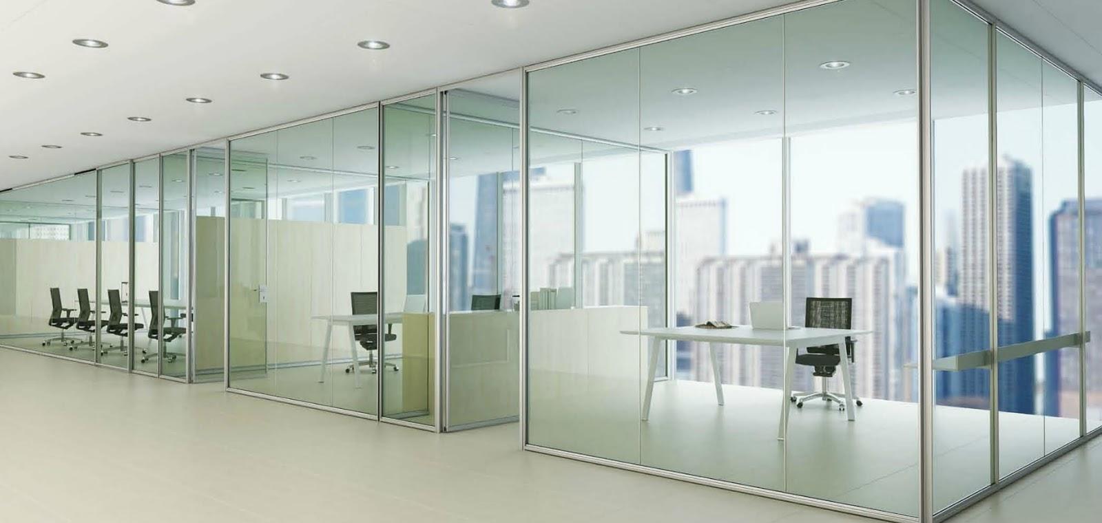 Montaje de mamparas de separaci n de cristal for Muebles para oficina mamparas