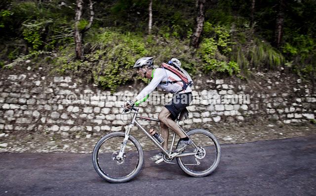 Mountain Terrain Biking, Himachal Pradesh 2011 - Day 3 - Tani Jubber to  Kullu Sarhan Andre, Champion of MTB Himachal 2010, is really a passionate rider who has great sport spirit !!!