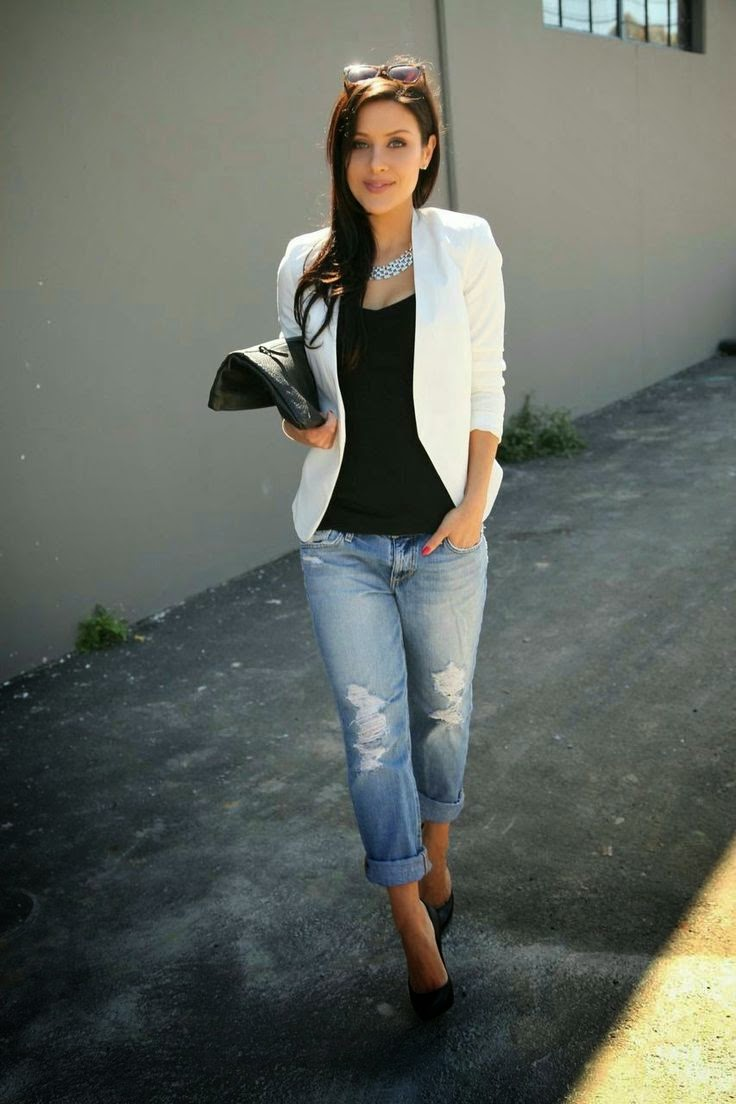 Women World Of Fashion Such a cute combination Gorgeous Jeans And white Blazer