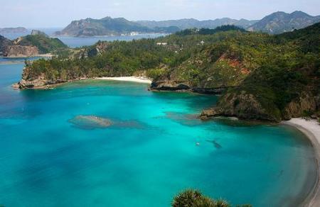 http://4.bp.blogspot.com/-YVyUAl-qkYs/TVwYOhQMQ2I/AAAAAAAAAOE/pFhsHI1dejQ/s1600/galapagos-isla-isabela.jpg