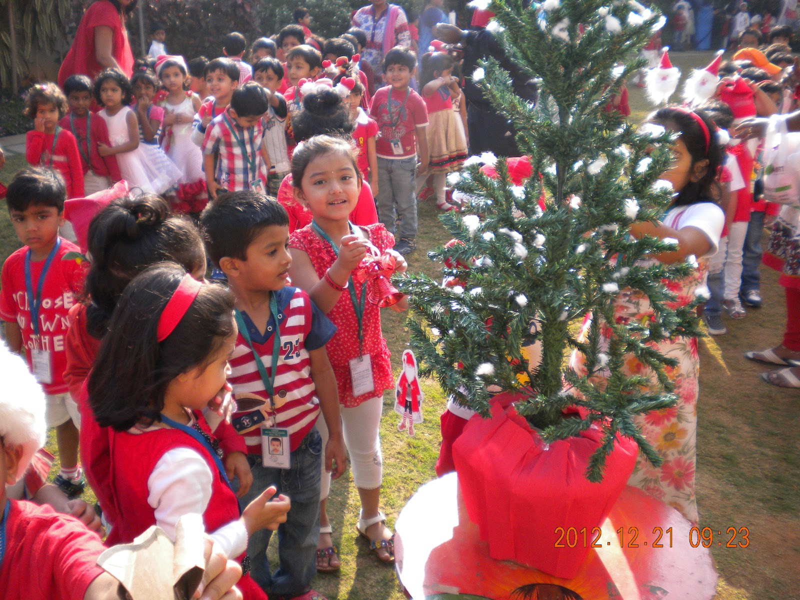 Singing And Dancing Christmas Tree