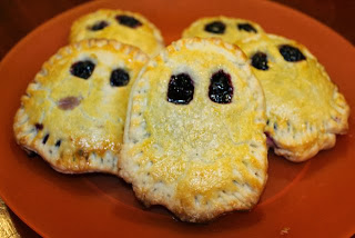 Boo! Berry Ghost Mini-Pies Dessert Recipe