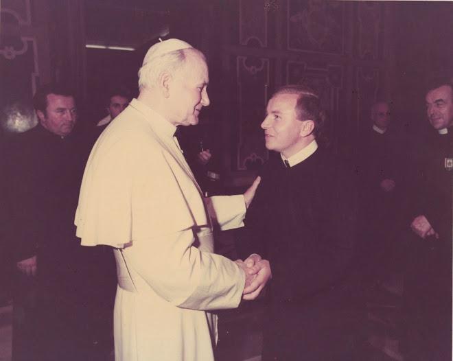 Dom Marcos Piatek com São João Paulo II em 1981