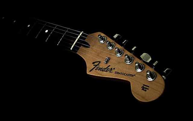 http://4.bp.blogspot.com/-YWf0k4__dTM/TV_ixmm7REI/AAAAAAAAAT8/dSZ4tWZYuhs/s640/Fender+Stratocaster+Headstock+Head+Strings+Tuners+Neck+Music+Desktop+HD+Wallpaper+1920x1200+Great+Guitar+Sound+www.GreatGuitarSound.Blogspot.com.jpg