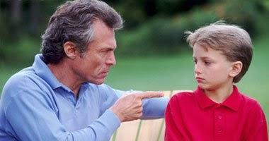 للآباء و الأمهات : عبارات قاسية تدمر شخصية طفلك