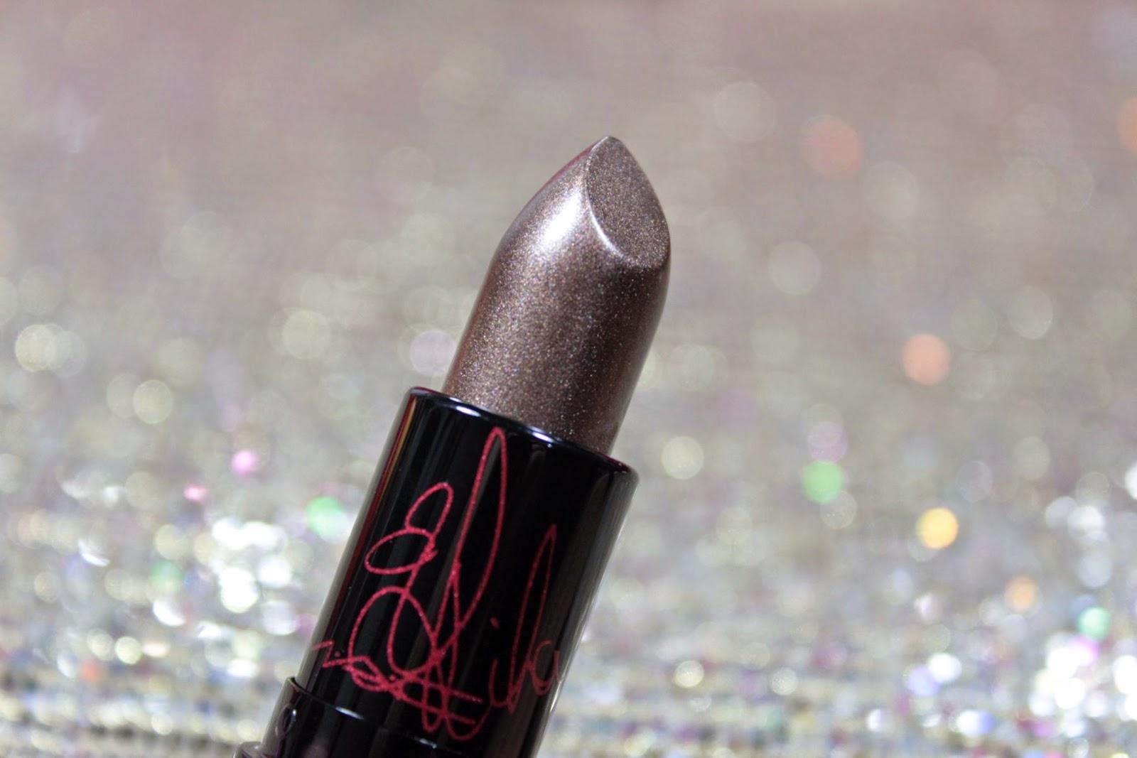 mac, coleção, collection, Rihanna, Viva Glam, Aids, Batom, loucas por batom, swatche, gloss, metalizado, lips, lipstick,