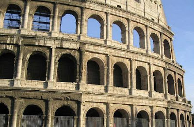 El Coliseo Romano, La Arquitectura Romana, Que ver en Roma, Que visitar en Roma, Turismo en Roma,