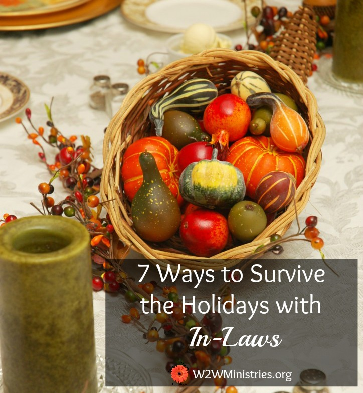 Not only survive the holidays with in-laws, but enjoy them! 7 ways to survive the holidays with your in-laws. #thanksgiving #marriage