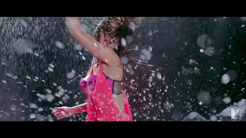 Katrina Kaif in Pink Bikini in Dhoom 3