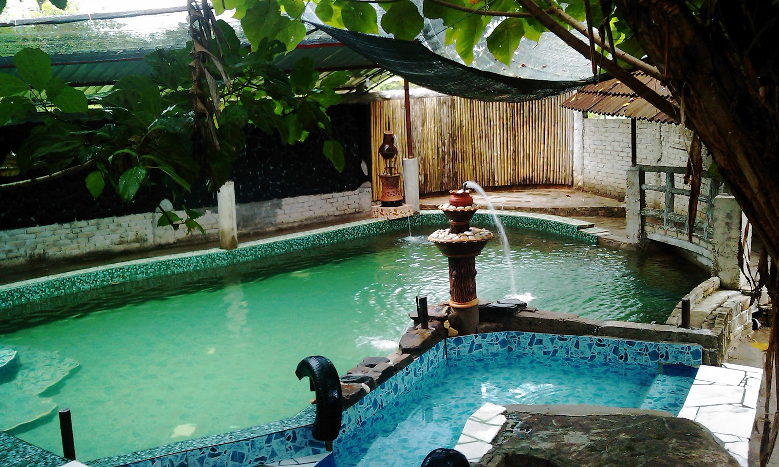 My malaysia photos private swimming pool salak denai chalet yan kedah for Private swimming pool malaysia