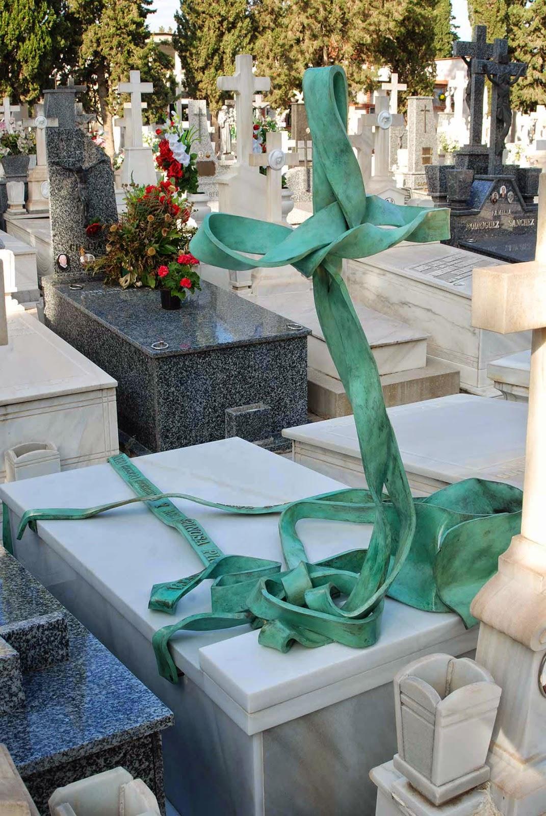 Monumento bronce cementerio Murcia Arturo Serra escultura 12