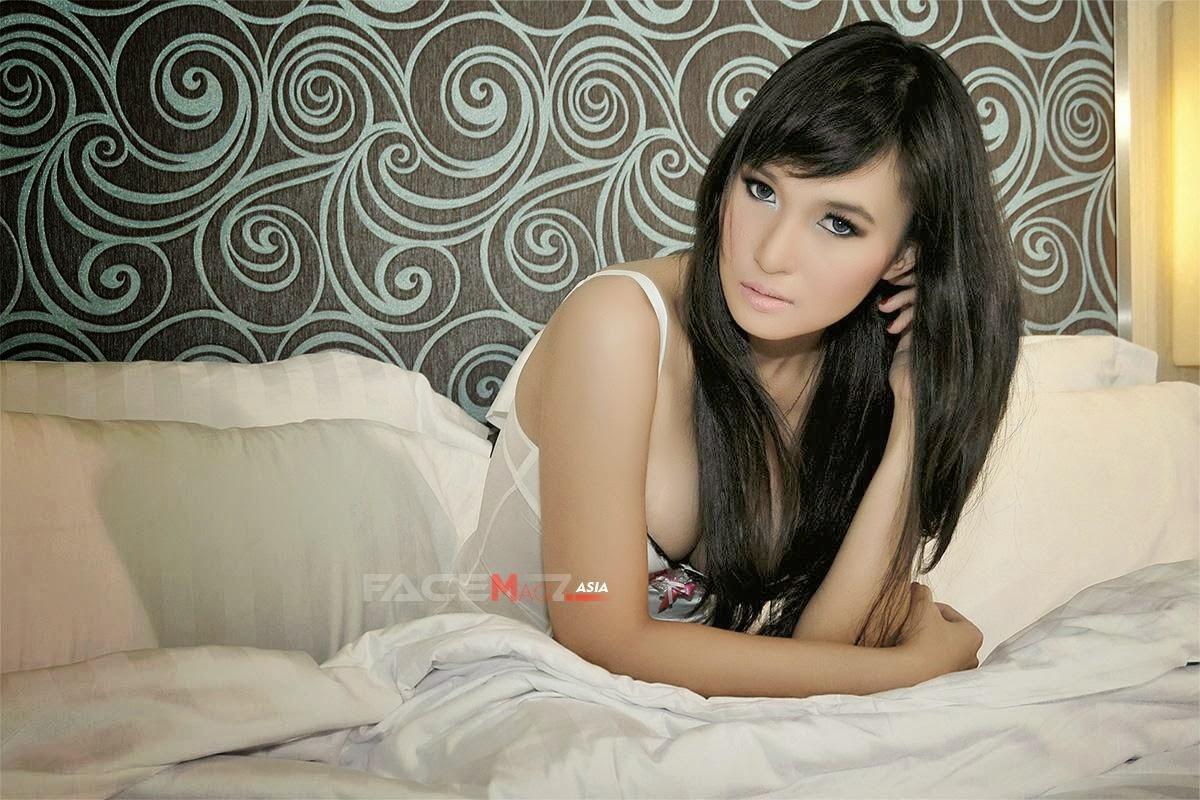 Foto Model Seksi Lingerie Caca Meili