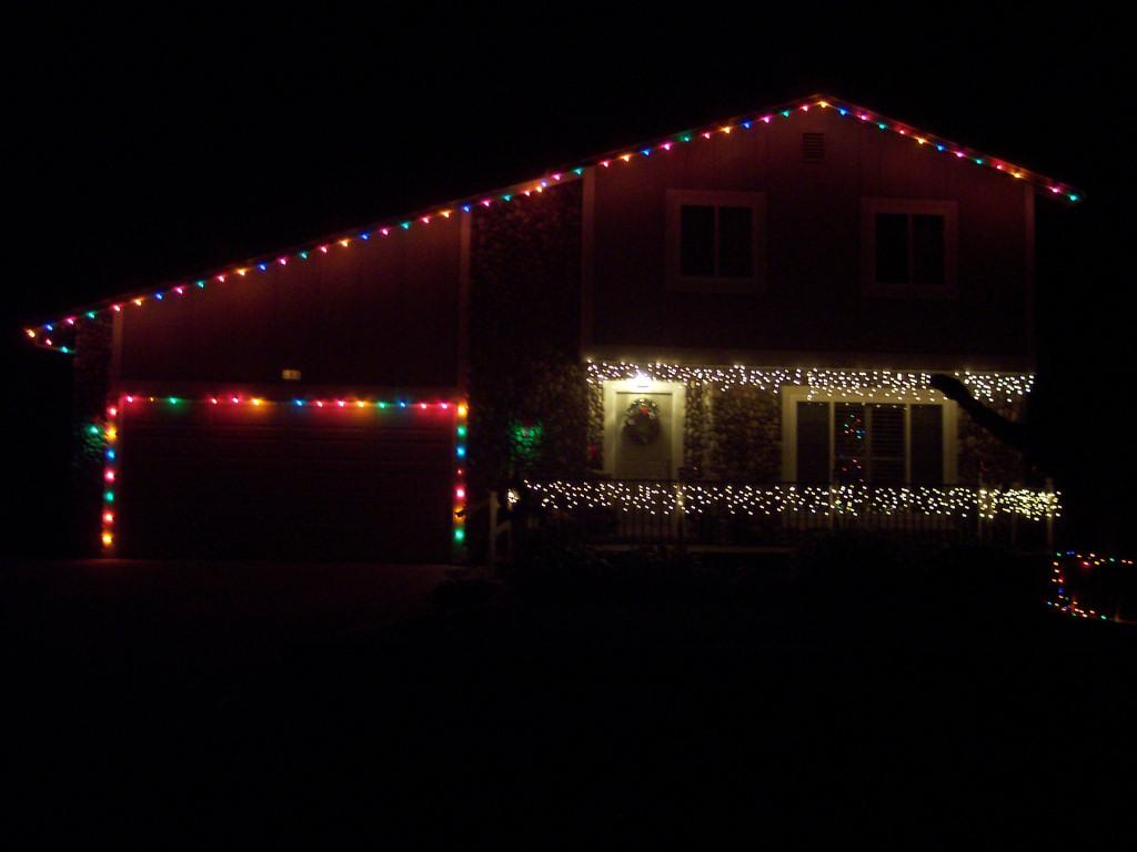 christmas lights on house wallpaper