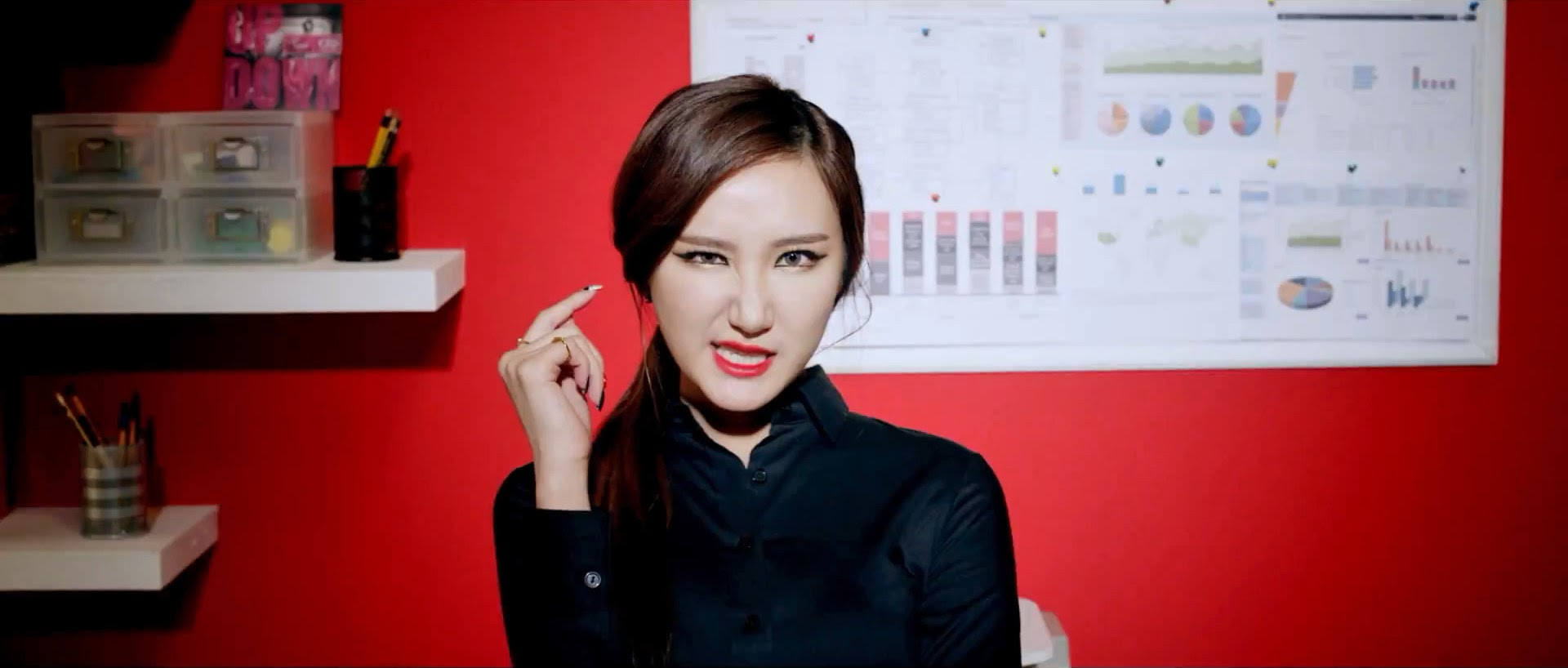 EXID's LE in Ah Yeah MV