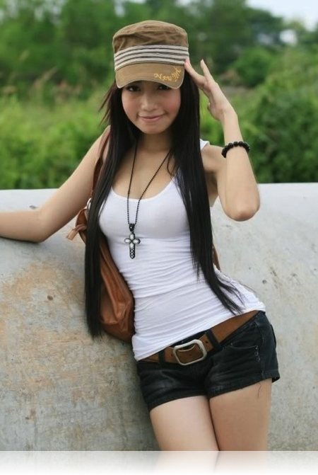 Model : Elly Tran Ha 8