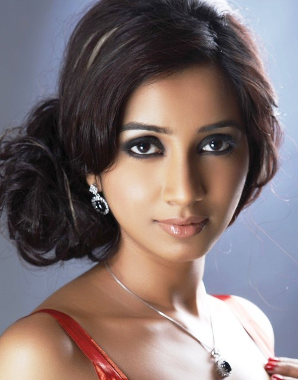 Shreya+Ghoshal Same Same ?