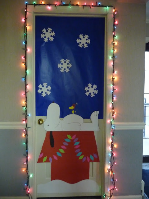 Office Door Christmas Decorating Ideas