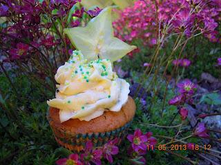 http://cecilecupcakecafe.blogspot.de/2013/07/maracuja-sternfrucht-cupcakes.html