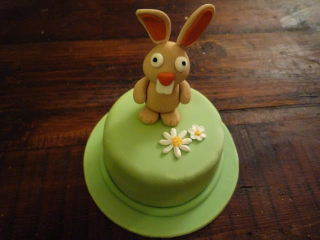 Rabbit cake decoration