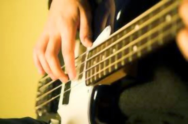 Play Bass Guitar For Beginners