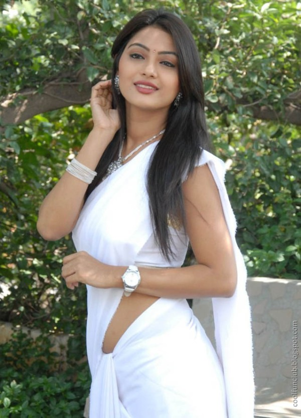 actress kumkum 07 Telugu cinema Actress Kumkum in White Saree
