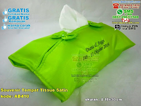 Souvenir Tempat Tissue Satin 410