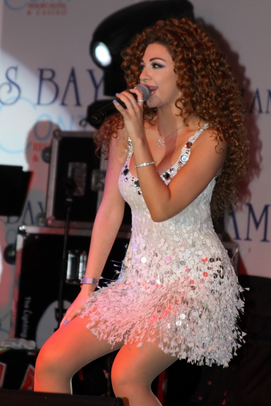 Sex Myriam Fares http://hotarabicmusic.blogspot.com/2011/06/myriam-fares-does-all-of-morocco.html