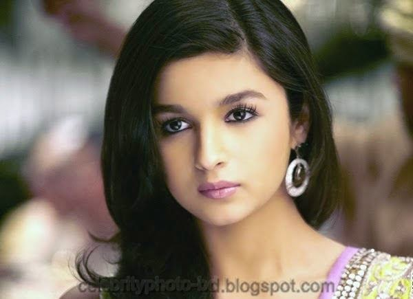 Alia+Bhatt+Bollywood+Actress+Wallpaper+And+Photo+Collection+Front