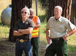Gov. Kitzhaber visits Beaver Complex