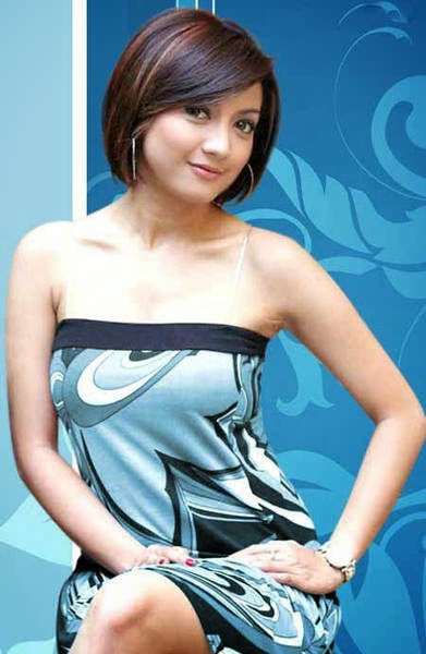 Wow! Koleksi Foto Hot Wiwid Gunawan Tanpa Sensor   Majalah Popular