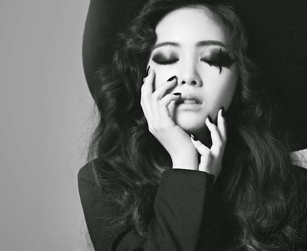 Minah I'm A Woman Too Concept