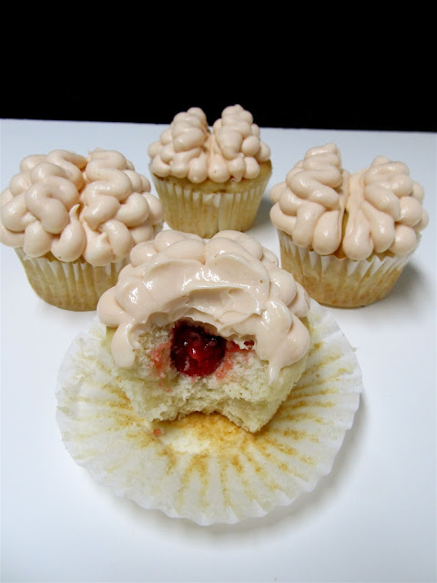 Mary Quite Contrary Bakes: Brain with Blood Clot Cupcakes