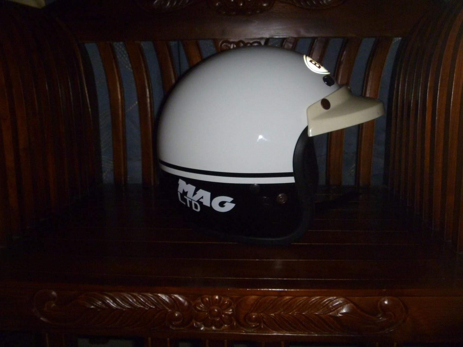 Rzlbundle Helmet Bell Mag Ltd White Black Rare