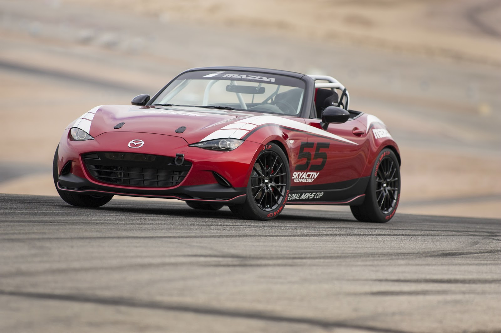 2016 mazda mx 5 wears its track suit for new global race. Black Bedroom Furniture Sets. Home Design Ideas