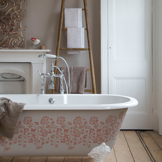 Mix and chic beautiful bathtub inspirations in every styles for Country chic bathroom ideas