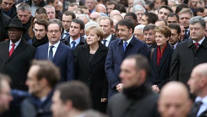 """Президент Порошенко вместе с другими лидерами государств принял участие в """"Марше единства"""" в Париже"""