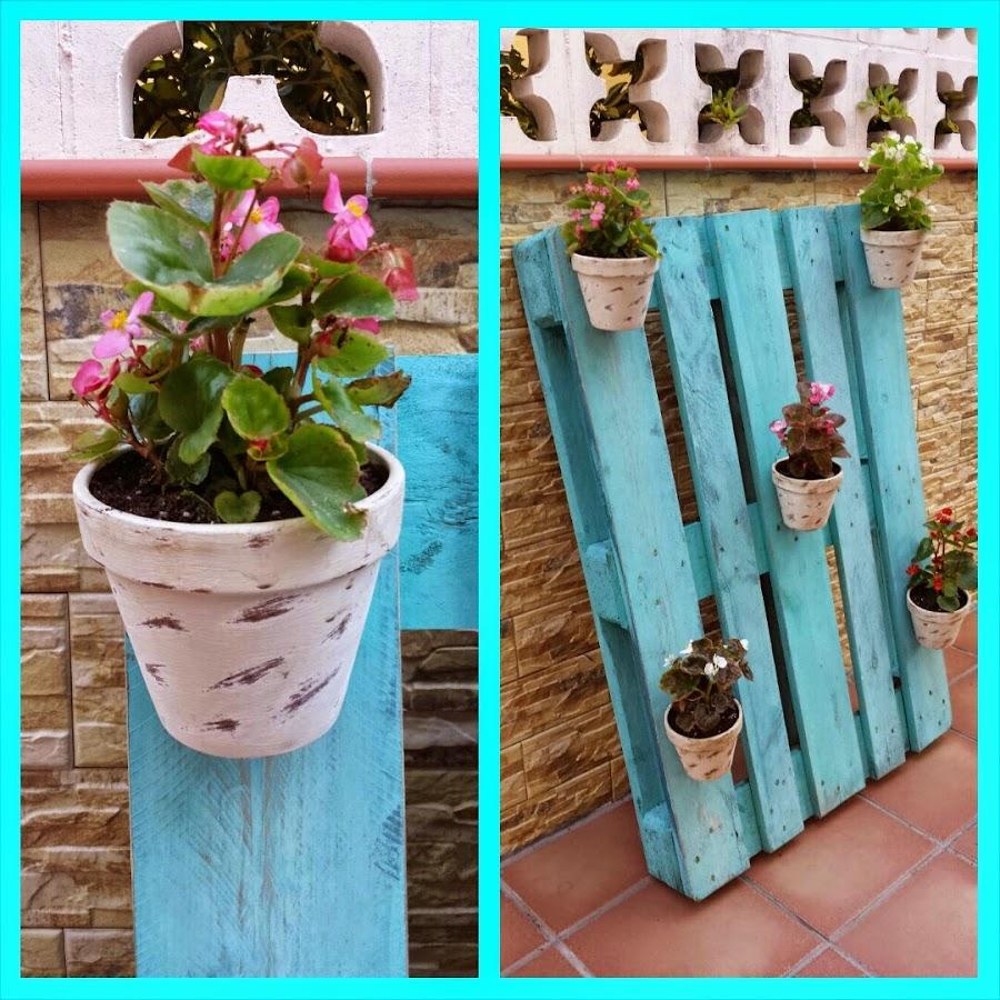 40 ideas de reciclaje y manualidades para el jard n plantas for Como hacer un jardin vertical con palets
