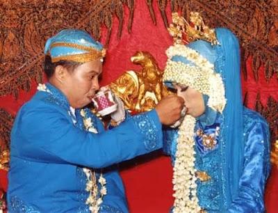 11 Desember 2005 - Lokasi Pundak IV Nanggulan Kulon Progo, Jogjakarta.  Foto Dokumentasi Keluarga