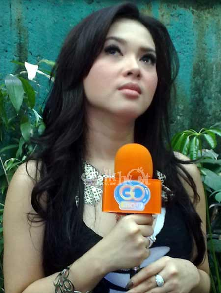 Photo Gallery: Foto hot syahrini | Foto syahrini |