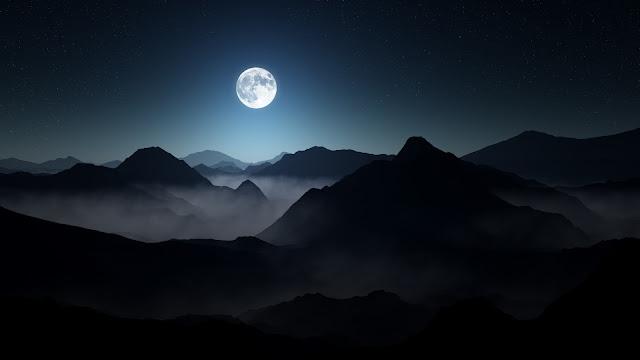 Luna llena en las Montañas