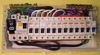 Khidmat Servis Aircond   Pendawaian Elektrikal  Plumbing   ReWiring untuk Rumah Kedai Dan